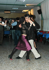 Tangoy: Osvaldo Roldan (rogimmi) Tags: italia milano danza tango ballo tangoargentino argentino milonga ballerini osvaldoroldan tangoy monicafontana