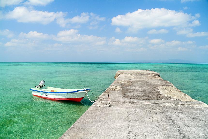青空と船と橋 in 石垣島
