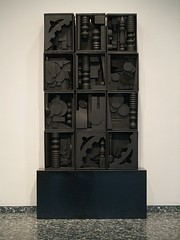 "Louise Nevelson's 1964 ""Black Wall"" (Washington, DC) (takomabibelot) Tags: abstract geotagged washingtondc dc box assemblage expressionism hirshhornmuseum louisenevelson blackwall geo:lon=77022872 geo:lat=38888143"