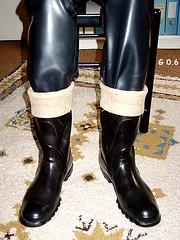 old Tretorns and rubber jeans 02 (robbo-Max) Tags: boots rubber wellingtonboots wellies rubberboots gummistiefel gumboots tretorn gummistvlar kumisaappaat bottesencaoutchouc