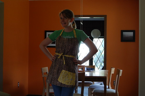 Reversible Apron -Woodgrain side