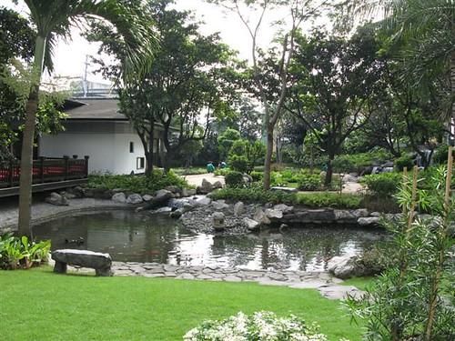 Dusit Thani gardens (1)