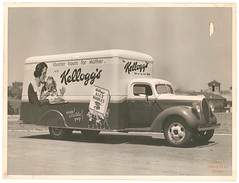 Kellogg's van for A.H. Peters & Co. at Sydney University / Milton Kent (State Library of New South Wales collection) Tags: ford breakfast truck advertising kent rice sydney bubbles trucks van peters kelloggs sydneyuniversity kellogs ricebubbles vintagetruck silvergelatin snapcracklepop statelibraryofnewsouthwales photobymiltonkentsydney kelloggsricebubles miltonkent