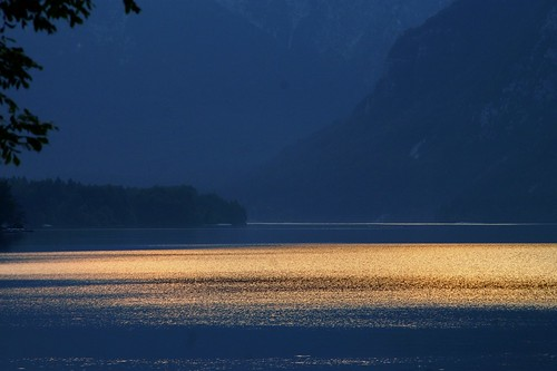 "Lake Bohinj • <a style=""font-size:0.8em;"" href=""http://www.flickr.com/photos/26679841@N00/2818546295/"" target=""_blank"">View on Flickr</a>"