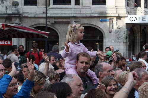 Jonge fan van Laura Lynn op de Grote Markt