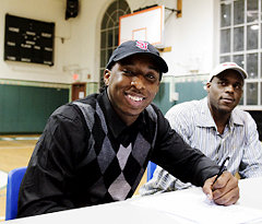Omari Lawrence signs with St. John's