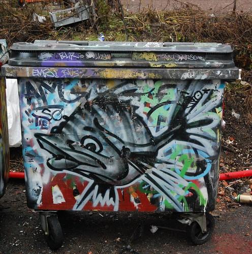 Søppeldunk med fisk