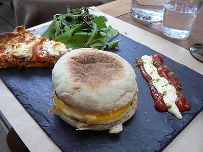 sandwiche à l'œuf b + tarte.jpg