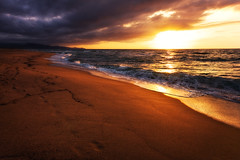 traces in the sand (Dennis_F) Tags: sardegna italien light sunset sea italy cloud sun beach water colors clouds strand landscape island licht spring sand wasser italia mare waves sardinia colours sonnenuntergang view im sundown angle sony wide spuren traces wolke wolken sigma wave wideangle aussicht dslr sonne 1020 ultra welle sardinien farben 2010 frhling wellen uwa goodandevil ultrawideangle castelsardo sigmalens a700 sigma1020 badesi uww sardenga sonyalpha sonydslr tracesinthesand skyandsand spurenimsand alpha700 sonya700 sonyalpha700 dslra700 sigma1020456 sigmaobjektiv