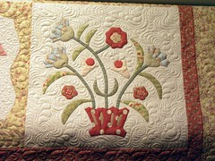 applique (Jessica's Quilting Studio) Tags: flowers arizona phoenix jones quilt jessica moda feathers quilting freehand custom mctavish applique longarm machinequilting gamez longarmquilting jessicabrunnemer