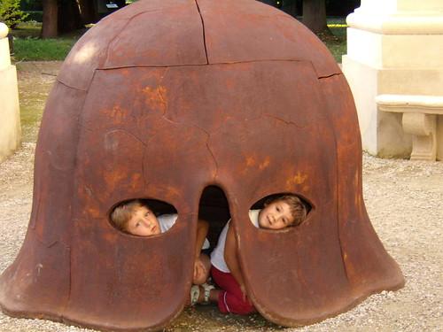 Mimmo Paladino: Elmo e figlie