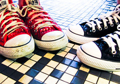 a meeting of the minds (JKnig) Tags: tile floor converse sequins chucks chucktaylors allstars heeeeeeee steffer esther17 artiesdeli stefandestherworetheirsequinedchuckstotheeddieizzardshow