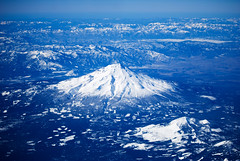 Mount Shasta (Xindaan) Tags: california usa plane us aerial explore shasta mountshasta naturesfinest visiongroup betterthangood goldenvisions