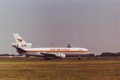 McDonnell Douglas DC-10-30CF (Den Batter) Tags: minoltax700 spl schiphol dc10 eham mcdonneldouglas dasaircargo dc1030cf 01l19r 5xjoe