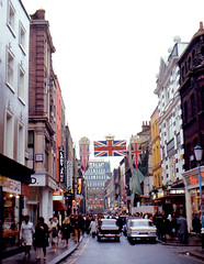 London - Carnaby Street (1968) (roger4336) Tags: england london carnabystreet carnaby 1968