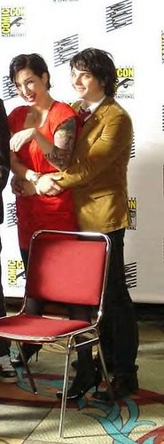 Lindsey and Gerard at Comic Con by gerardtard.