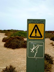 Olly fell off (tm-tm) Tags: sign danger warning australia signage southaustralia warningsign nullarbor oceania