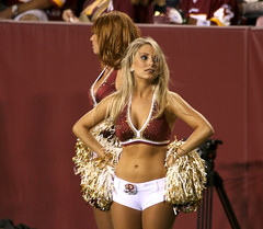 WASHINGTON REDSKINS CHEERLEADERS (nflravens) Tags: sports washington nfl hunter redskins nflfootball washingtonredskins prosports redskinettes profootball washingtoncheerleaders redskinscheerleaders nflravens redskincheerleaders shoreshotphotography