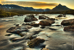 Northern flow (Rob Orthen) Tags: longexposure autumn sunset sky sun fall clouds suomi finland river landscape nikon rocks europe sundown d70 sweden hiking august rob lapland sverige scandinavia hdr maisema lappi syksy thenorth joki vaellus ruotsi photomatix elokuu orthen pltsan roborthenphotography vosplusbellesphotos paltsan keltainentaivas
