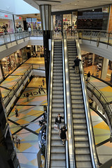 """""""Ascenseur pour l'chafaud"""": fast food (claude05) Tags: berlin store escalator alexa thumbsup d300 louismalle twothumbsup challengeyouwinner thumbsupwrestling tuw101"""
