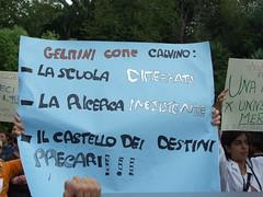 DSCF2281 (Redazione Step1) Tags: foto università serena slogan ricerca catania futuro scuola sciopero corteo gelmini ciranna