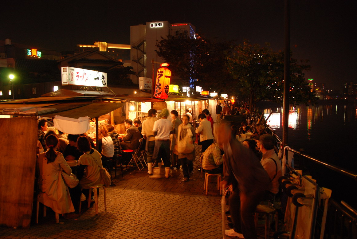 福岡- 中州川端河畔的屋台