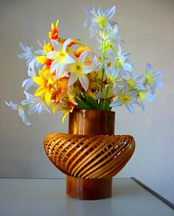 Vase (thayyib (na.tha.sha)) Tags: vase maldives maldivian like love birthday treat dhivehi raajje thayyib nathaha thoyyib thobbu travel world flower color nice wood bamboo artificial man made hand flickr photo pic picture photographer wall white an awesome shot