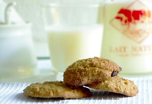 Two oats, lebkuchen Gerwürz scented cookies