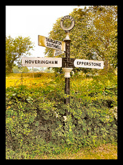 Pre-war road navigational aid (Lady Wulfrun) Tags: nottingham sign post roadsign signpost notts fingerpost southwell hoveringham epperstone thurgarton prewarboys