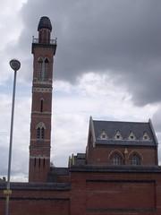 Edgbaston Waterworks Tower - Waterworks Road, Edgbaston (ell brown) Tags: greatbritain chimney england birmingham unitedkingdom lordoftherings pumphouse westmidlands jrrtolkien thetwotowers enginehouse edgbastonreservoir boilerhouse edgbaston gradeiilisted jhchamberlain williammartin severntrentwater severntrent gradeiilistedbuilding edgbastonwaterworks wmartin johnhenrychamberlain birminghamcorporationwaterdepartment waterworksrd edgbastonwaterworkstower severntrentwateredgbaston edgbastonpumpingstation pumphouseandattachedstoreroomstandbygeneratorroomornamentedstackatpumpingstation