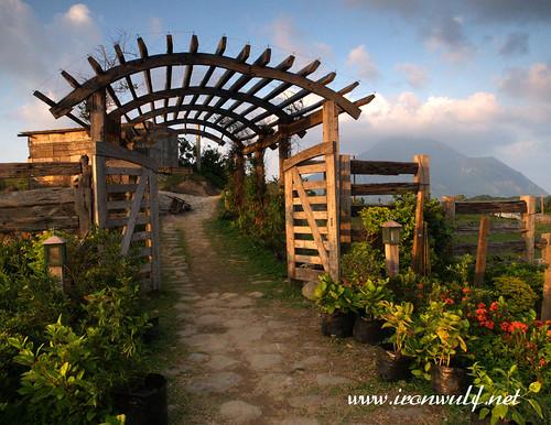 Gates and Mount Irayat