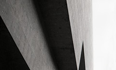 cosmominimalism-01 (Sara Corsini) Tags: blackandwhite milano yashica biancoenero bocconi noirismybestfriend blackhitomi blackhitomihasgreeneyes fujineopan1600iso