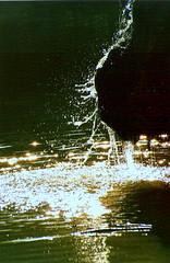 Drops... (corto.maltese) Tags: acqua riflessi gocce fontane nikonf50 fuentesfountains goldstaraward