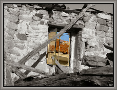 Águas Frias (Chaves) - ruínas (Mário Silva) Tags: portugal chaves aldeia trásosmontes mywinners ilustrarportugal sérieouro águasfrias janelasportuguesas