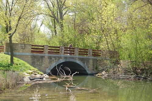 前往植物園的橋