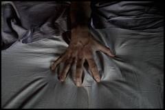 Sete di te m'incalza (Sartori Simone) Tags: me self ego bed hand you sete yo eu sheets io mano te veins thirst letto vene pabloneruda lenzuola allrightsreserved simonesartori oniricamente platinumheartaward fotopoetiphotopoetry seteditemincalza