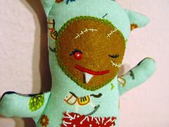 grumbler_grimbo_face (revoluzzza) Tags: suse grumbler toy stofftier design berlin revoluzzza handcraft petit poupée doll puppe kid child birth monster monstre zombie vampir vampire devil evil mean