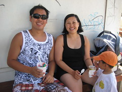 Ah Gu and Mommy enjoying the shave ice