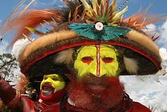 Wigmen in Mount Hagen Show (Bertrand Linet) Tags: portrait shells face yellow coral festival hair facepainting feathers feather shell makeup tribal papou tribes tribe papua hagen kina maquillage visage plumes headdress singsing plume huli papu tribu oceania goroka pidgin westernhighlands tribus oceanie ethnique papuaneuguinea papuanuovaguinea パプアニューギニア gorokashow papuan mounthagen mounthagenshow melanesian papuans 巴布亞紐幾內亞巴布亚纽几内亚 papuásianovaguiné papúanuevaguine papuanyaguinea wigmen hulis παπούανέαγουινέα папуановаягвинея papuanewguineapicture papuanewguineapictures papuanewguineanpeople remotetribe papúanuevaguinea makeupgoroka bertrandlinet papuanewguineamounthagenface