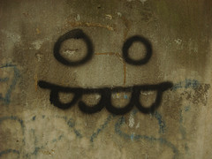 HAPPY FACE (VonMurr) Tags: portrait urban cute nerd face monster graffiti minimal warsaw simple wwa maurycygomulicki