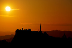 Edinburgh Castle Sunset (Surely Not) Tags: sunset castle scotland nikon edinburgh seat moo hdr arthurs d80 yourphototips vosplusbellesphotos thephotoproject
