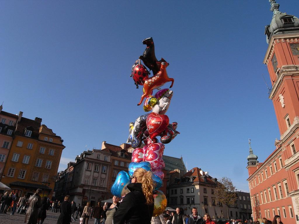 Balloon vendor in Warszawa Old Town