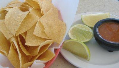 Marisqueria el Tejado - Chips and Salsa
