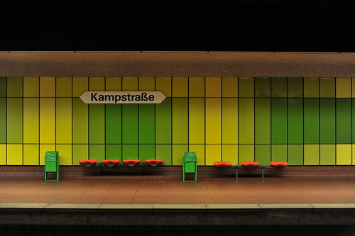 Kampstraße Subway station, Dortmund at night di stephanrudolph