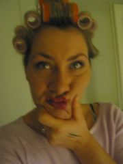 ob das was wird... (AboPics) Tags: mirror diy ausgehen haircurlers lockenwickler