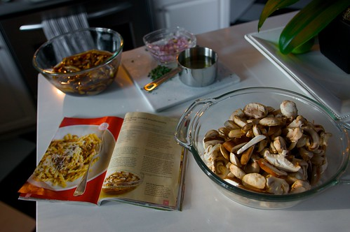 mushroom pasta with thyme