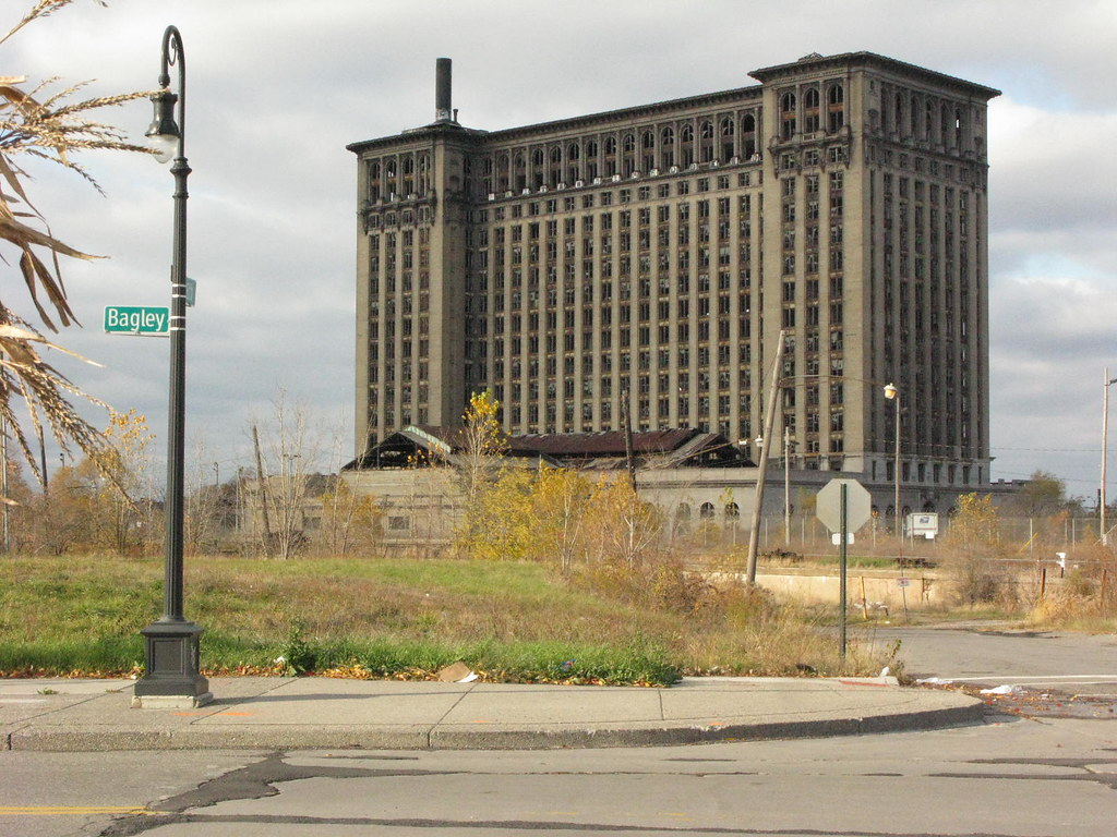 wp's Detroit (3): Michigan Central Station | SkyriseCities