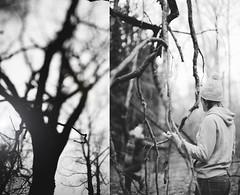 автопортрет 233й день (tomato_senya) Tags: autumn trees light selfportrait me nature bodylanguage 365ru