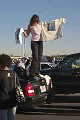 IMG_6658-Barack Obama Rally at Bonanza High School, Las Vegas (nabila4art) Tags: people lasvegas crowd huge barackobamarally bonanzahighschool