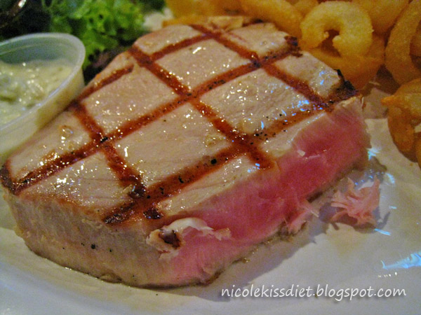tuna steak medum rare